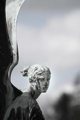 Potsdam, Park Sansoucci (sylvia.knittel) Tags: deutschland kunst skulptur engel potsdam personen orangerie parksansoucci