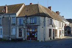 Martizay (Indre). (sybarite48) Tags:  house france shop casa dorf village indre dom pueblo tienda ev boutique negozio winkel huis maison  loja geschft dorp hause ky aldeia  hasiera sklep villaggio  maaza       wie    martizay