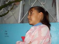 Jimeniux  (Xic Eseyosoyese (Juan Antonio)) Tags: en mxico mexicana pared la casa y nia su sobrina hacia con mirando jimena sobrinita all plumn rayadero jimeniux