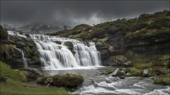 Guarguero (Explore) (Jose Cantorna) Tags: agua nikon salto montaña burgos seda niebla roca acantilado trueba cascada risco d610 estacas guarguero