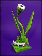Alien Wonders (Karf Oohlu) Tags: landscape lego alien vignette moc alienplant faunaandflora aliencreature