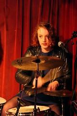 Gini Cameron 7457-3_9327 (Co Broerse) Tags: music amsterdam rock drums punk percussion garage pop popmusic nieuwmarkt 2016 composedmusic cobroerse ginicameron aprilfeeesten