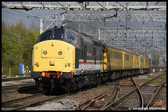 No 37254 Driver Robin Prince M.B.E 27th April 2016 Colchester (Ian Sharman 1963) Tags: park test tractor robin station train diesel no great engine rail railway loco prince trains class april driver locomotive network 37 eastern railways colchester ferme 27th intercity livery mbe mainline 2016 geml 37254 1q97