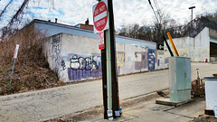 Quirky composition, Polish Hill (real00) Tags: city urban landscape pittsburgh pennsylvania urbanlandscape westernpennsylvania 2000s 2016 alleghenycounty 2010s pittsburghregion willreal williamreal
