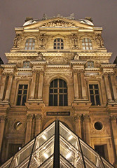 Pavillon Richelieu (skipmoore) Tags: paris architecture night louvre pavillonrichelieu llouvre