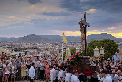 """(2014-07-06) - Procesión subida - Vicent Olmos (07) • <a style=""""font-size:0.8em;"""" href=""""http://www.flickr.com/photos/139250327@N06/24517676450/"""" target=""""_blank"""">View on Flickr</a>"""