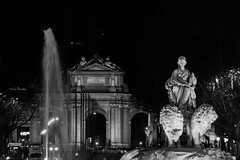 Madrid in one pic (A.J. Paredes) Tags: madrid city urban blackandwhite bw espaa blancoynegro architecture night canon buildings eos rebel lights luces noche photo spain arquitectura edificios exposure downtown view ciudad center bn vista monumentos monuments cibeles alcala 700d ajota85 ajparedes