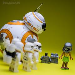 BB-8 : Captain Phasma's Day Off. (Randy Santa-Ana) Tags: starwars lego friday tgif legostarwars dayoff sphero bb8 legostormtroopers theforceawakens captainphasma bb8droid spherobb8