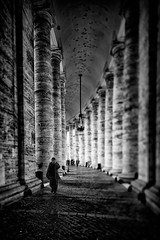 Walking Through the Colonnade (Gian.luca) Tags: street urban rome roma monochrome sanpietro passeggiata colonnato skancheli