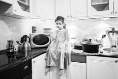 (orsike) Tags: home kitchen girl frozen kid child posing littlegirl elsa