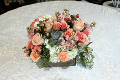 Peach and white centerpiece (The Blooming Idea) Tags: roses woodenbox centerpiecepeachsucculent