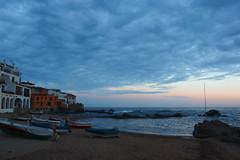 La platja de nit (Albert T M) Tags: nocturna blau costabrava platja nuvols palafrugell calelladepalafrugell baixempordà celimar