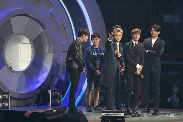 160329 SHINee @ 2016 KU Asia Music Awards' 25590897083_9896531af5_z