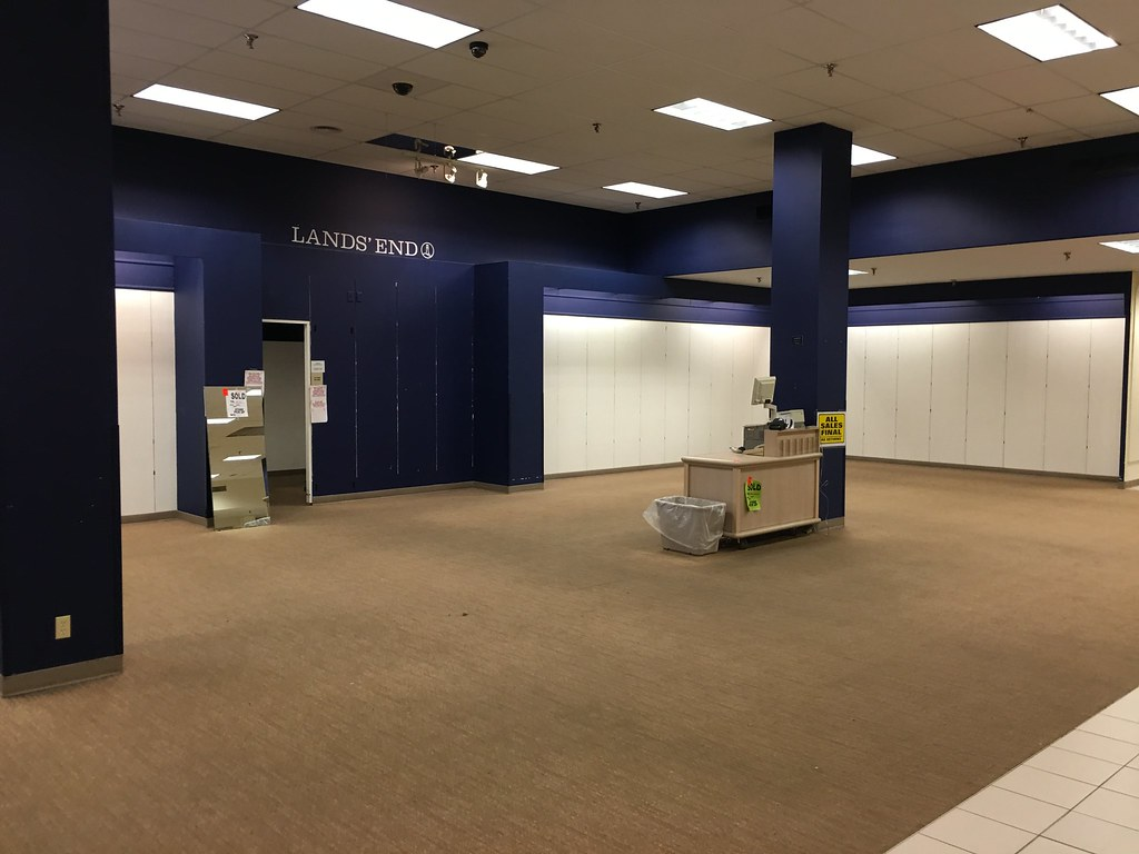 Room Store Going Out Of Business 28 Images Empty Interior Retail Store Linens N Things With