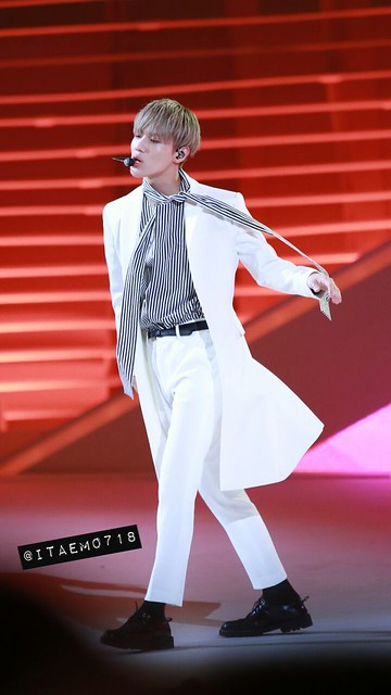 160315 Taemin @ Style Icon Asia 2016 25844619705_d1484d64cd_z