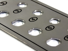 Placa inox grabada a color (Omella Engravings) Tags: marking placa plaques engravings acero gravat inoxidable inox marcado grabados corten corporativa conmemorativa gravures numeracion marcar omella