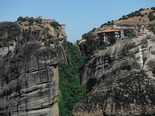"Monasterios de Meteora, Grecia <a style=""margin-left:10px; font-size:0.8em;"" href=""http://www.flickr.com/photos/141744890@N04/26327529265/"" target=""_blank"">@flickr</a>"