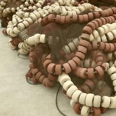 Collares marinos (acativa) Tags: textura muelle mar textures pesca cabos redes marinas collares boyas puentedeume artesdepesca marineros acativa maritmo