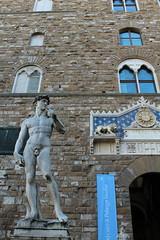 David - Michelangelo (the copy) (Martina Strologo) Tags: italy david beauty real florence italia copia firenze piazza della michelangelo copy signoria copu