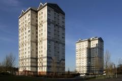 Glen Court & Millbrae Court, Coatbridge, Scotland (SpaceLightOrder) Tags: scotland high modernism flats highrise housing towerblock multistorey lanarkshire wimpey coatbridge northlanarkshire glencourt millbraecourt georgewimpeyltd