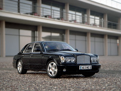 2002 Bentley Arnage R 1:18 Diecast by Minichamps (PaulBusuego) Tags: china red england black green art english scale car vw sedan silver volkswagen t toy photography spur miniature flying model european britain outdoor label united rich large azure continental kingdom indoor pauls super made exotic turbo crewe r bmw vehicle british rolls posh phantom saloon luxury v8 royce bentley 118 fullsize v12 brooklands luxurious maybach diecast seraph kyosho arnage bexhill handbuilt minichamps upperclass mulsanne