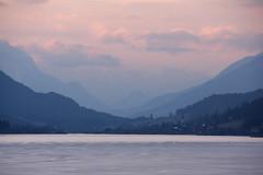 Weissensee, zonsondergang (Andrea van Leerdam) Tags: winter austria oostenrijk weissensee ijs natuurijs