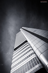 The Silver Tower Mainhatten (Steffen Dufner Photography) Tags: white black tower architecture silver frankfurt 1018 mainhatten 60d