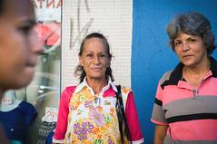 (Valria Felix) Tags: brazil people brasil calle eyes colorful streetphotography streetphoto rua londrina brasileiras