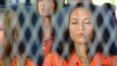 h50503_01765 (UJB88) Tags: county orange women uniform prison jail facility jumpsuit correctional restrained