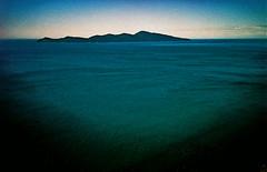 Kapiti vignette (Stephen Dowling) Tags: travel newzealand summer film 35mm xpro rangefinder kapiti olympus35rc kodakelitechrome100
