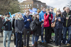 Boat race supporters (Adnams) Tags: beer theboatrace ghostship 2016 adnams furnivallgardens thebnymellonboatraces