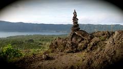 le cairn du Mont Batur  - 12 (Franois le jardinier de Marandon) Tags: bali cairn landart batur rockbalance indonsie franoisarnal
