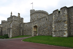 entrance-near-norman-gate_1473 (Roger Brown (General)) Tags: county family original england tower castle english its by thames architecture century river for was is gate europe long all close with time bell guard royal william palace it since been norman used henry changing round windsor after british 11th notable residence berkshire has invasion built mandalay monarchs later association conqueror located i longestoccupied