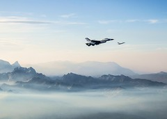 """Thunderbirds"" return from Minden (aeroman3) Tags: unitedstates military nevada airshow thunderbirds usaf airpower usairforce sierranevadamountains usafads"