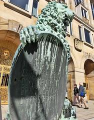 Goldene Pforte, Rathaus Dresden (Andr-DD) Tags: statue germany deutschland dresden cityhall saxony lion sachsen rathaus lwe pforte goldenepforte