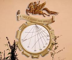 Il sole  nuovo ogni giorno. (Alfredo Liverani) Tags: italien italy clock canon italia sundial sundials orologio lugo italie emiliaromagna meridiana uhr romagna g12 solaire sonnenuhr cadran solare meridiane cadransolaire solaires sonnenuhren cadrans orologiosolare cadranssolaires lugodiromagna canong12 rellotgessolars relojessolares lugo2016