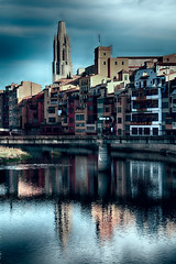 Gerone2 (Jean McLane) Tags: nuages reflets reflejos reflects grone