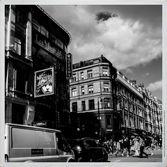 DSCF0421 (Jazzy Lemon) Tags: uk england london english britain candid streetphotography april british socialdocumentary 18mm 2016 jazzylemon fujifilmxt1