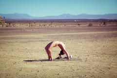 pudadda in the air. yoga au natural. sheltering sky. un perturbed. as it should be (francois f swanepoel) Tags: yoga ab naturist 2016 northerncape noordkaap shelteringsky aunatural clothless clotheless tankwakaroo afrikaburn tankwatown pudadda afrikaburn2016 afrikaburnx
