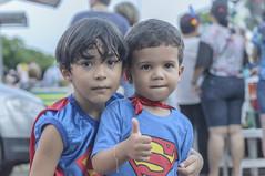 ENCOUNTER OF SUPER MEN / ENCONTRO DE SUPER HOMENS (Arthur Perruci) Tags: brasil nikon carnaval recife pernambuco nordeste previa tamronspaf1750mmf28xrdiiildasphericalif d5000 nikond5000 arthurperruci carnaval2016