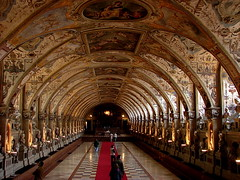 Pasado romano (carmoreman) Tags: travel viaje digital munich europa europe sony romano vision alemania museo camaradigital compac dsch2