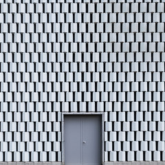 Porte (DidWee) Tags: door abstract architecture square nikon gate geometry minimal doorway gateway porte abstraction hatch tamron repeat greyscale carr abstrait paterns rptition tamron1530