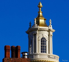 Massachusetts StateHouse (Harry Lipson) Tags: boston gold golden architectural pineapple cupola goldleaf massachusettsstatehouse harrylipsoniii harrylipson