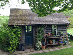 Garden shed (Alan Buckingham) Tags: barracks pottingshed waldrondowncottage