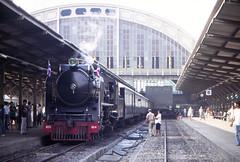 Thailand - Bangkok Hua Lamphong - Birthday run (3) (railasia) Tags: heritage thailand pacific bangkok eighties infra roofing srt hualamphongstation metergauge heritagerun class800 steamlocotrain