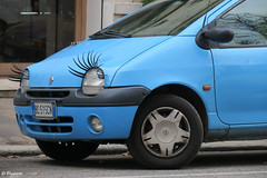 Someone has nice eyelashes! (Artsy Blueem) Tags: street car funny strada eyelashes macchina divertente ciglia