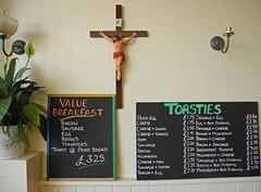 The Copper Kettle, High Street, Shanklin - Isle of Wight 18 June 2012 (peter.velthoen) Tags: breakfast menu pie lunch beans indoor crucifix wight shanklin paleale brasscastlebrewery cliffhangerbeer