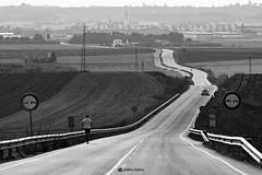 Keep moving forward. (Pablo_Rivera) Tags: road bw espaa blancoynegro canon way landscape blackwhite camino carretera huelva paisaje run andalucia correr byw canon500d lapalmadelcondado
