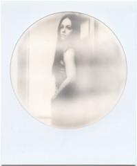 Rundgestreifte Schnheit (kagamiyama) Tags: berlin beauty polaroid model 600 round impossible instantlab