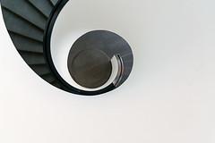 Spirale (Karl-Heinz Bitter) Tags: white abstract museum architecture stairs staircase architektur weiss schwarz nrnberg spirale abstrakt treppenhaus frae